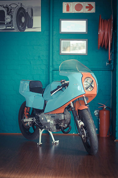Ducati Desmo Pantah resto-mod vintage cafe racer gulf colour track racer, italian style